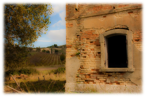Abandoned house in the countryside in southeast Sicily, copyright Jann Huizenga
