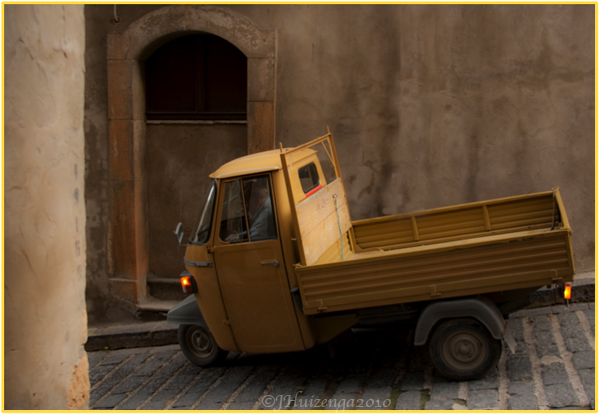 Yellow Truck in Sicily, Copyright Jann Huizenga 2010