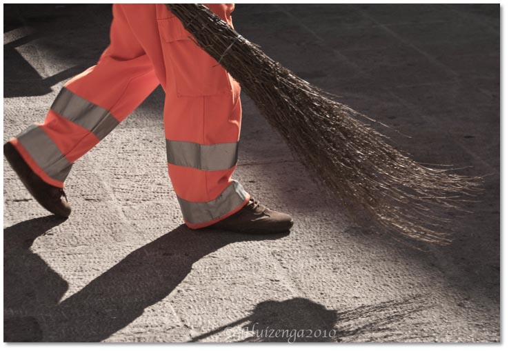 Street Sweeper in Sicily with Twig Broom, copyright Jann Huizenga