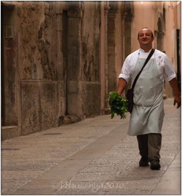 Chef Ciccio Sultano with Basil Bouquet, copyright Jann Huizenga