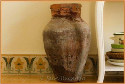 Sicilian Olive Oil Jar from late 1800s, copyright Jann Huizenga