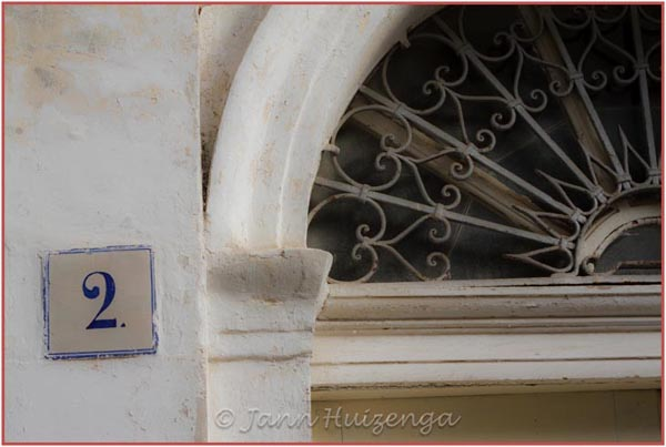House number in Sicily, copyright Jann Huizenga