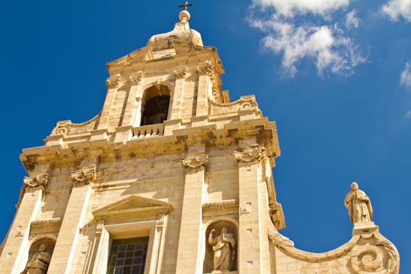 Church in Southeast Sicily, copyright Jann Huizenga