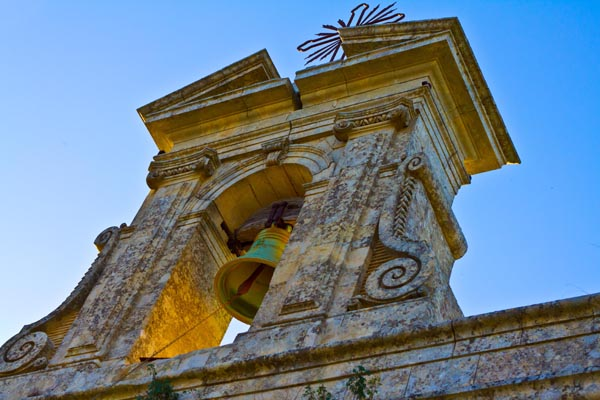 Church Bell in Southeast Sicily, copyright Jann Huizenga