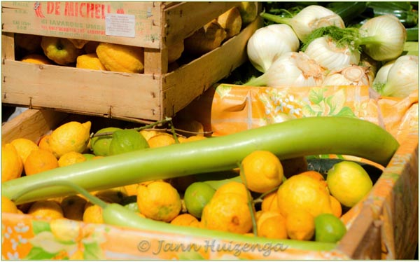 Vegetable market in Sicily (including the long green cucuzza), copyright Jann Huizenga
