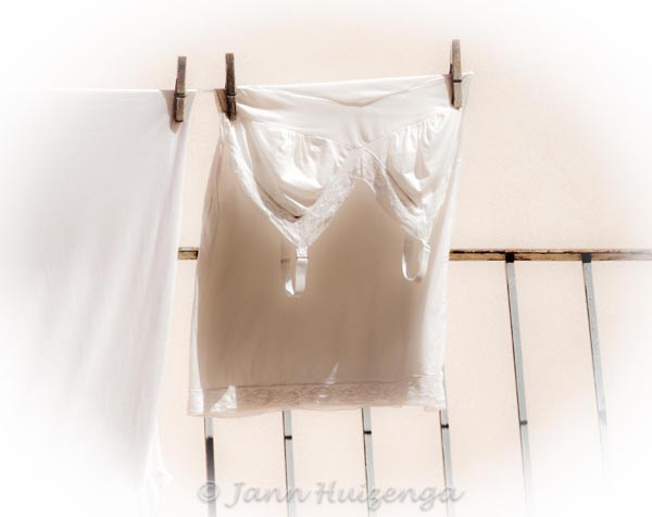Hanging Laundry in Sicily, copyright Jann Huizenga