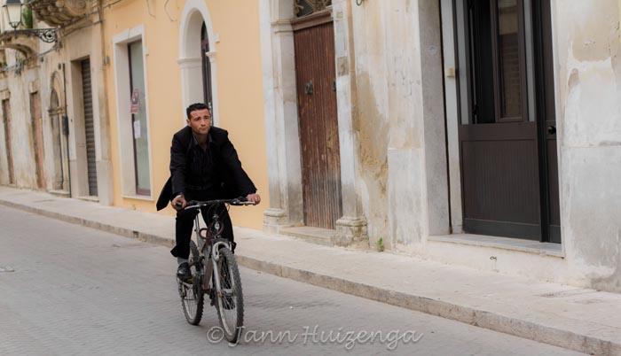Sicilian Man on Bike in Vittoria, copyright Jann Huizenga