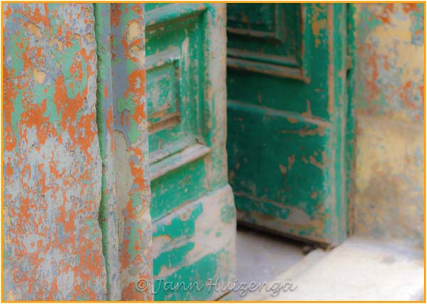 Open Green Door, copyright Jann Huizenga