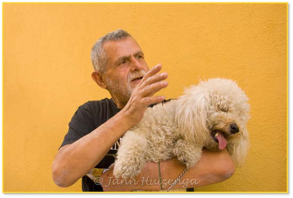 Man and Dog in Italy, copyright Jann Huizenga