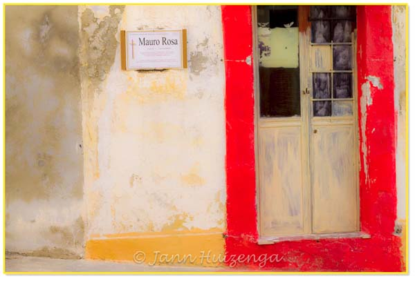 Red Door in Sicily, copyright Jann Huizenga