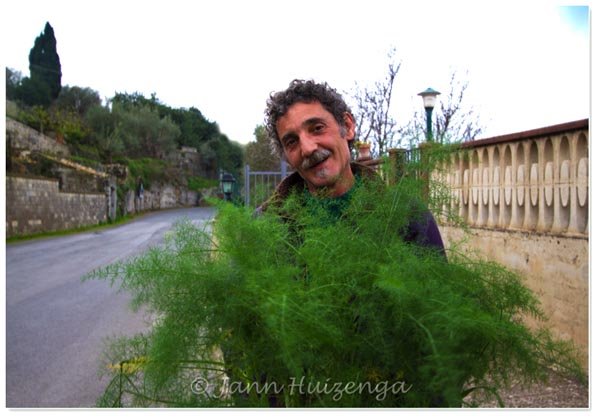 Man with Fennel in Southeast Sicily, copyright Jann Huizenga