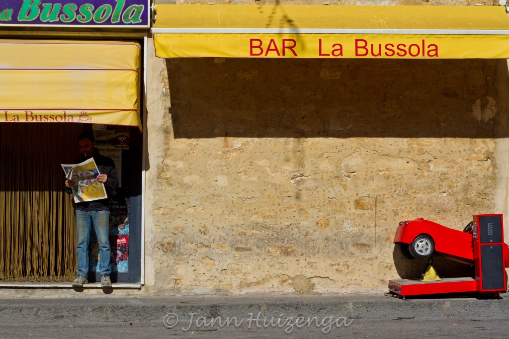 Bar in Niscemi, Sicily, copyright Jann Huizenga