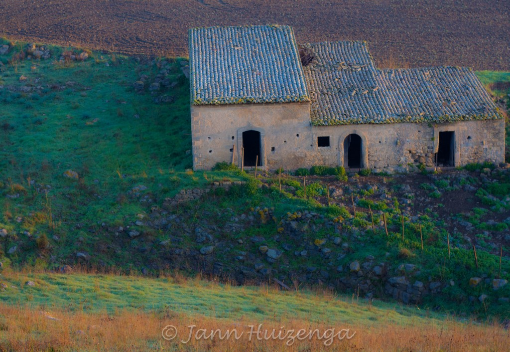 Abandoned House in Sicily, copyright Jann Huizenga