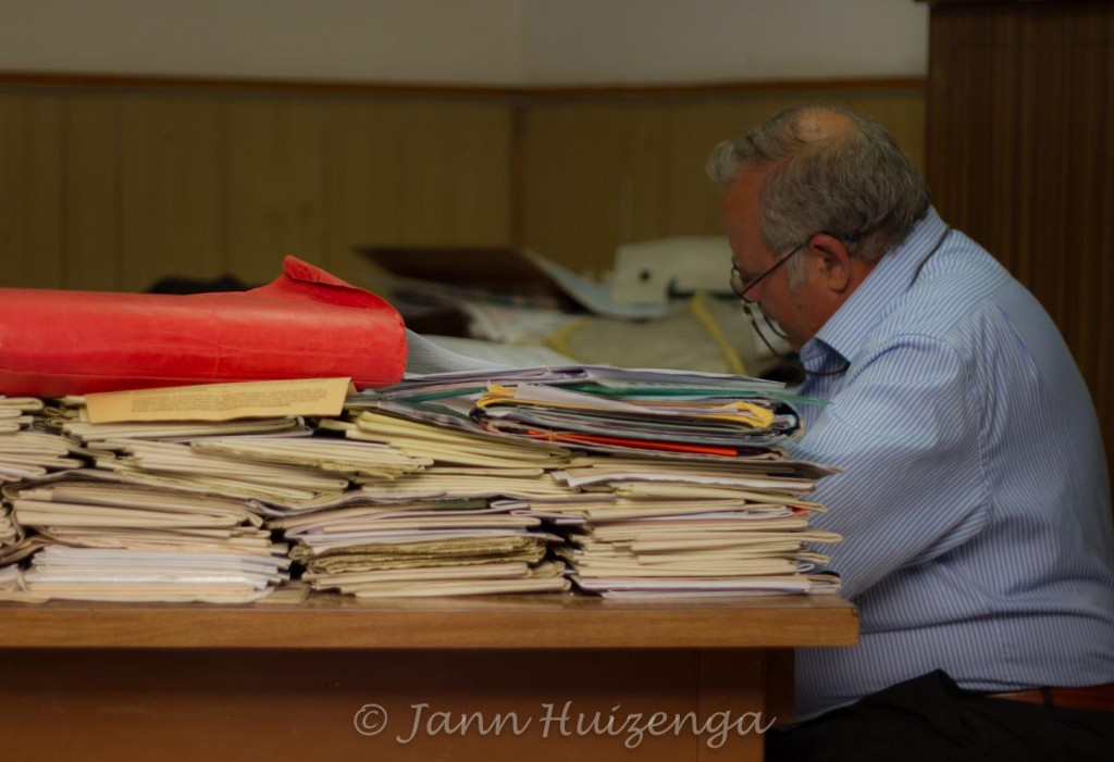 Man at work in Sicily, copyright Jann Huizenga