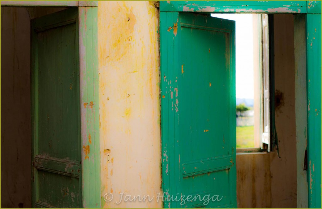 Old Green Doors in Abandoned House in Sicily, copyright Jann Huizenga