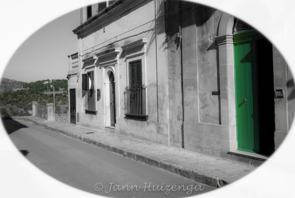 Green door in Sicily, copyright Jann Huizenga