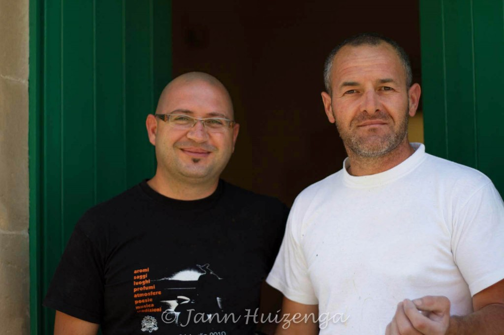 A pair of housepainters in Sicily, copyright Jann Huizenga