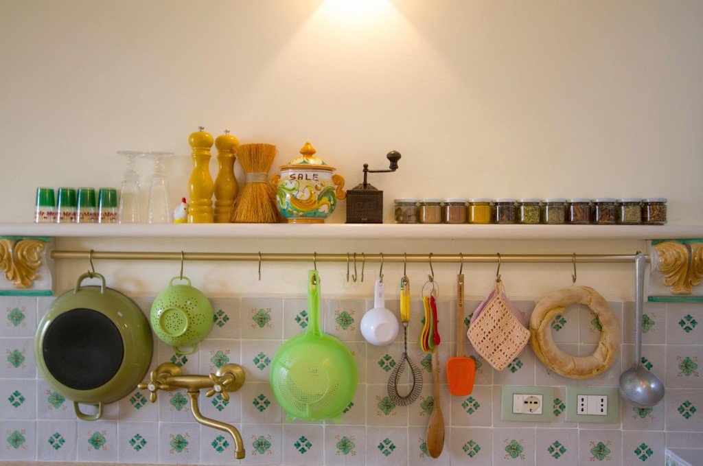 A glimpse of my kitchen in Sicily, copyright Jann Huizenga