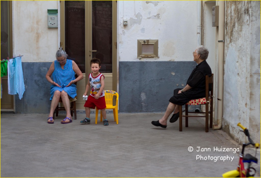 Sicilian Family in Summer, copyright Jann Huizenga