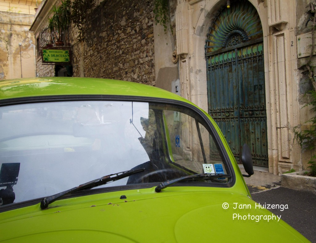 Matching VW in Sicily, copyright Jann Huizenga