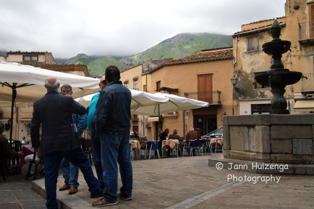 Central Piazza in Castelbuono, Sicily, copyright Jann Huizenga