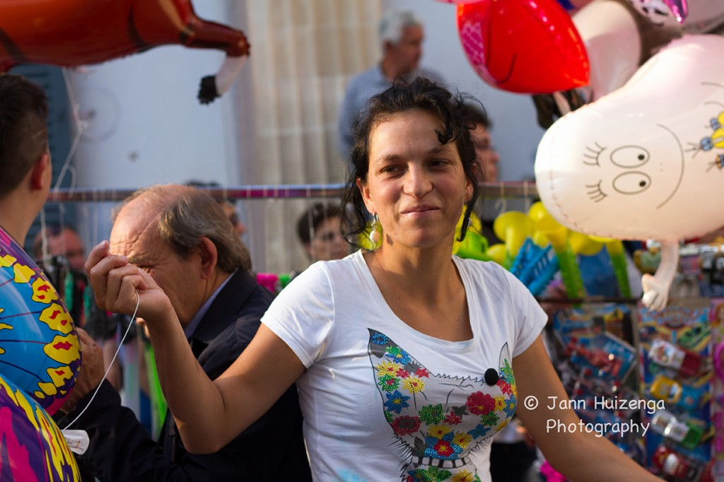 Balloon vendor, Sicily, copyright Jann Huizenga